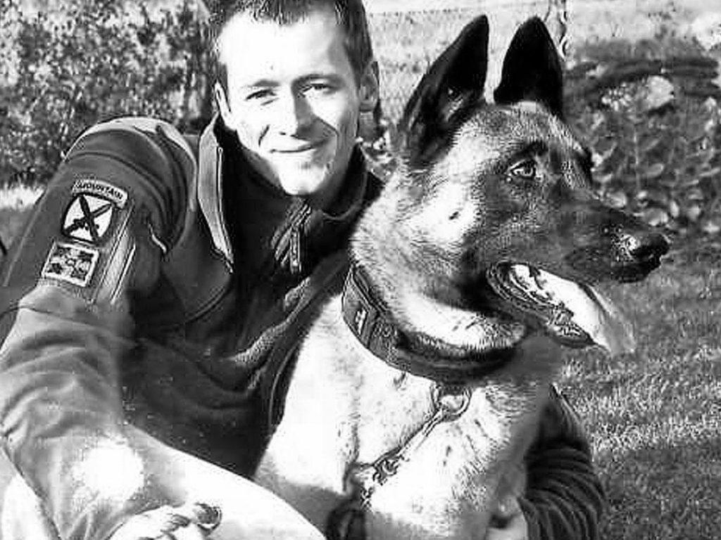 Robert Drobeck mit seinem ersten Hund Xilo